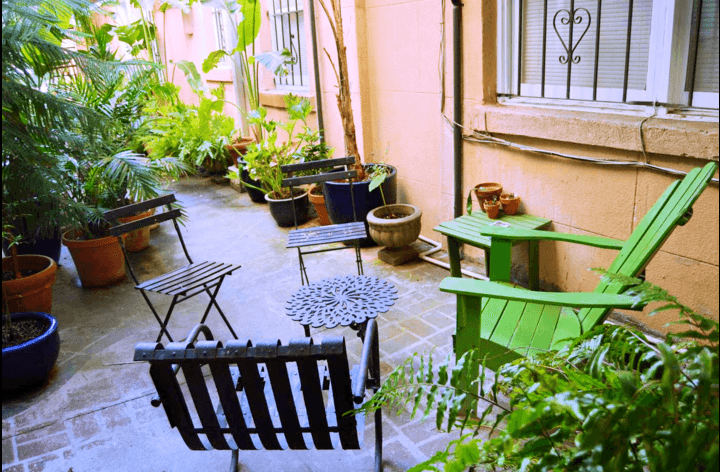 Beautiful outdoor courtyard area - perfect for enjoying a drink and a breeze!